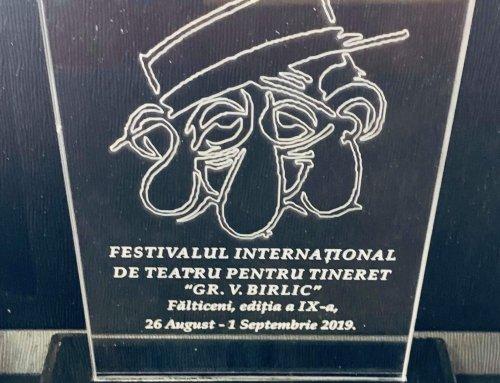 La Festivalul din Fălticeni